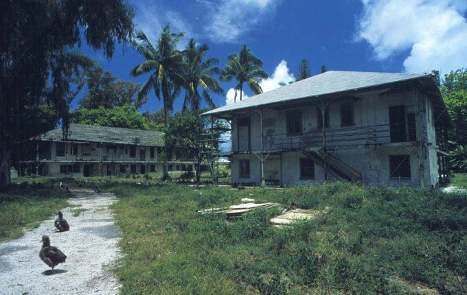 Gebäude am Midway-Atoll - Foto: U.S. Fish and Wildlife Service.